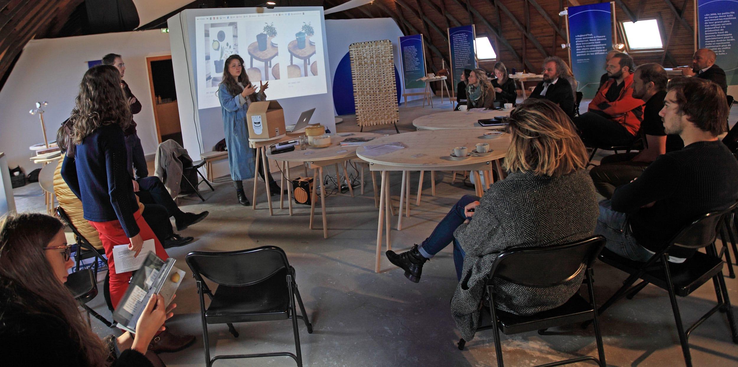 Pauline Lemberger du studio Bouchée Double présente sa collaboration avec la poterie Siegfried-Burger et Fils de Soufflenheim.