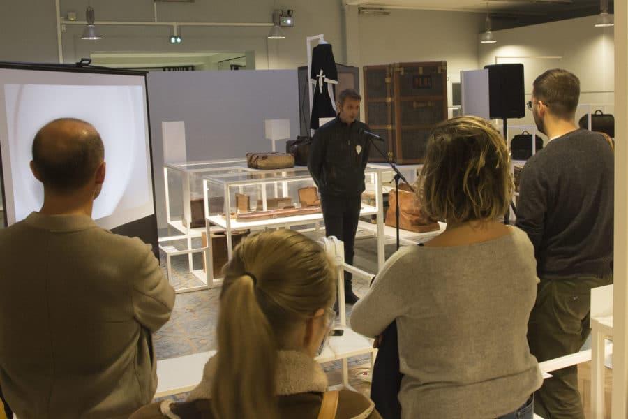 Grégoire Ruault, président de l'association IDeE des designers alsaciens, présente les missions de l'association et les différentes collaborations effectuées avec des fabricants locaux.